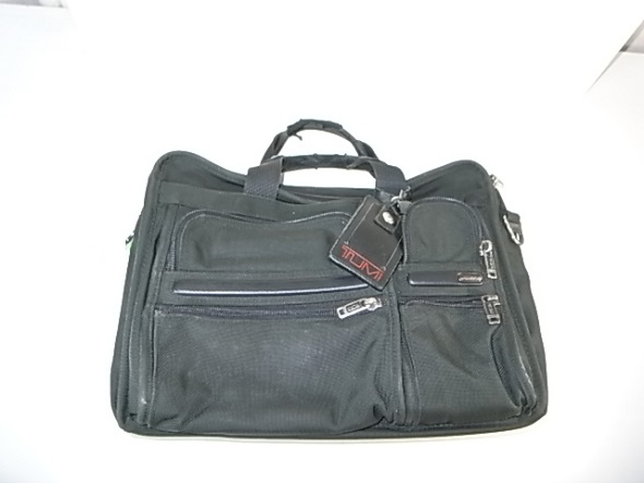TUMIのバリスティックナイロン鞄