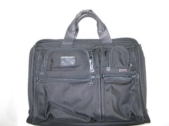 TUMIのバッグ
