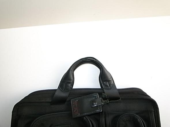 TUMIの鞄の革修理