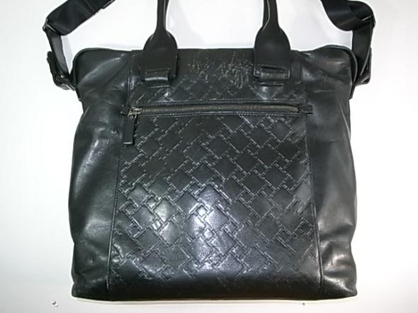 TUMIのレザーバッグ