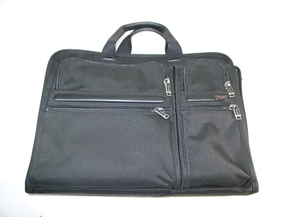 TUMIの鞄の全体写真