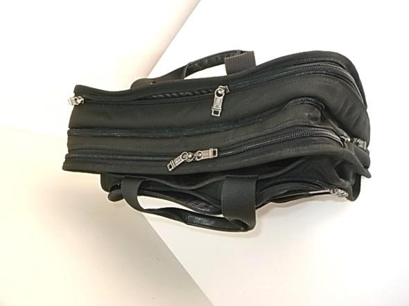 ファスナー交換したTUMIの鞄