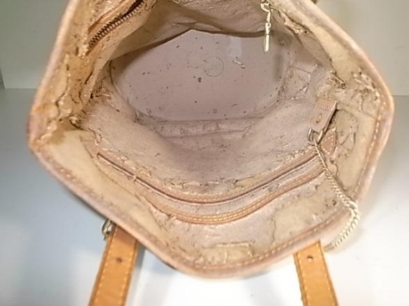バッグの内側の状態