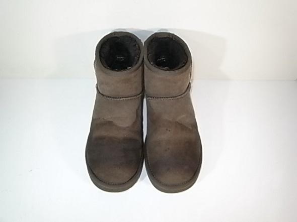 染みがあるUGGのブーツ