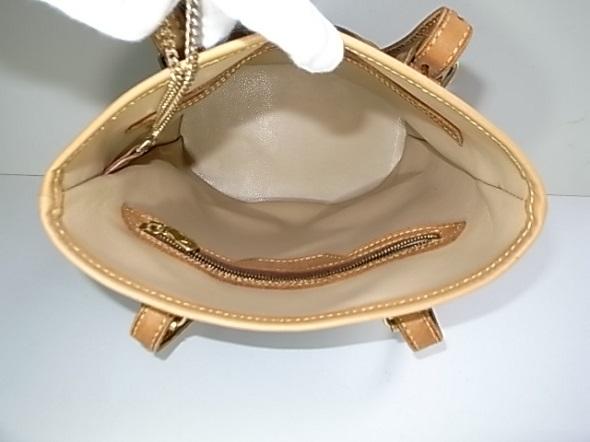 内張りを張り替えたバッグ