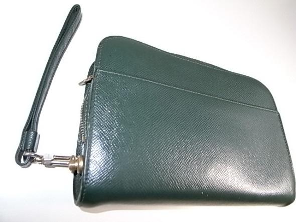 ヴィトンのセカンドバッグ