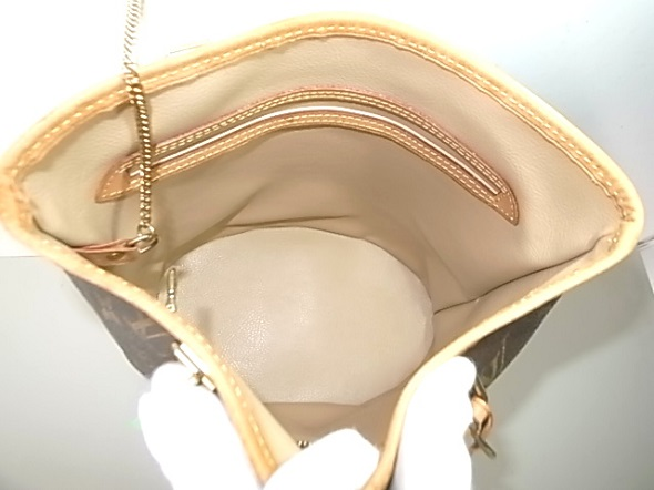 修理後のバッグの内張り