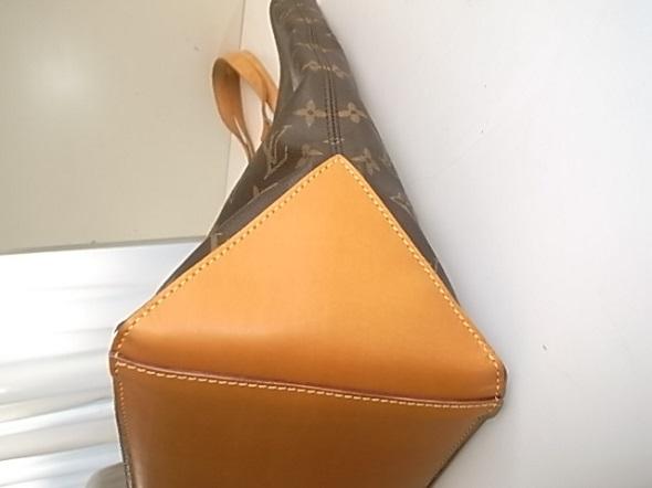 バッグの底のヌメ革交換