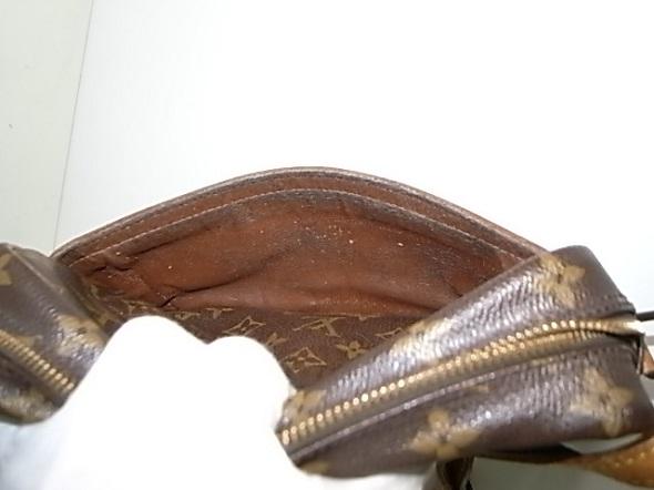 外ポケットの内張り劣化