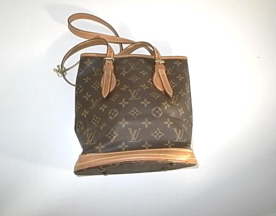 ルイヴィトンのバケツ型バッグ