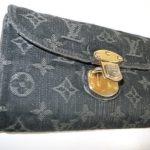 ルイヴィトンのモノグラム財布