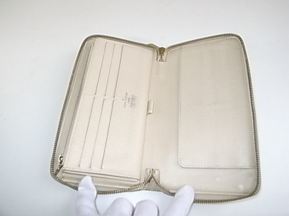 ヴィトン財布の内側